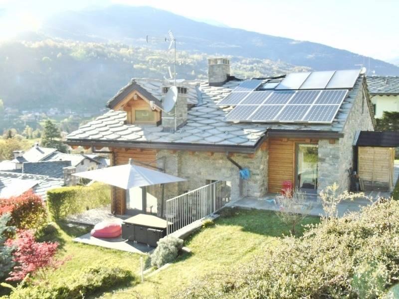 Villa in vendita a Aosta, 8 locali, zona Zona: Porossan, Trattative riservate | CambioCasa.it