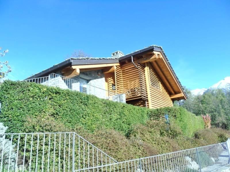 Villa in vendita a Aosta, 8 locali, zona Zona: Porossan, Trattative riservate | Cambio Casa.it