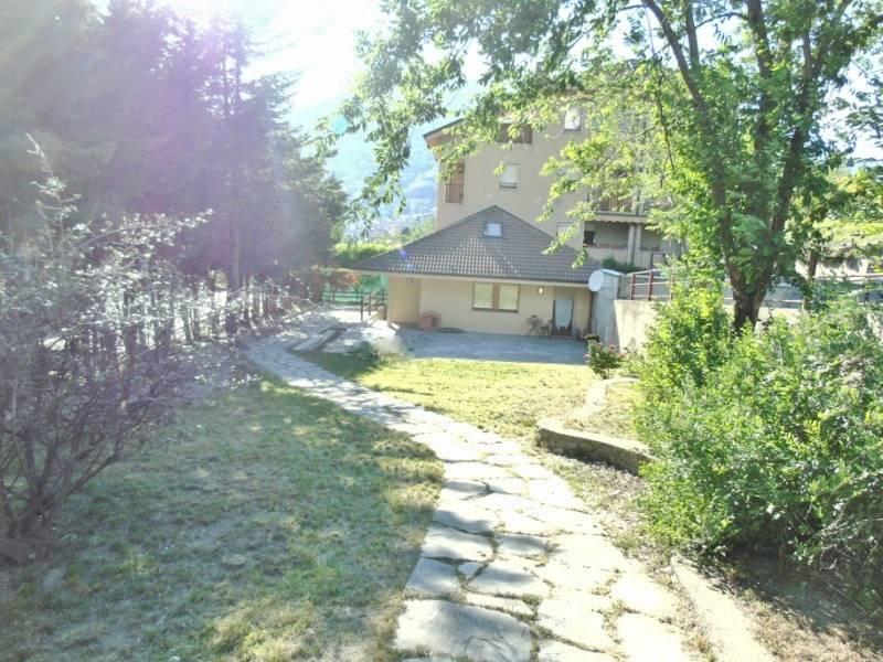 Villa in vendita a Aosta, 5 locali, zona Zona: Porossan, prezzo € 280.000 | Cambio Casa.it