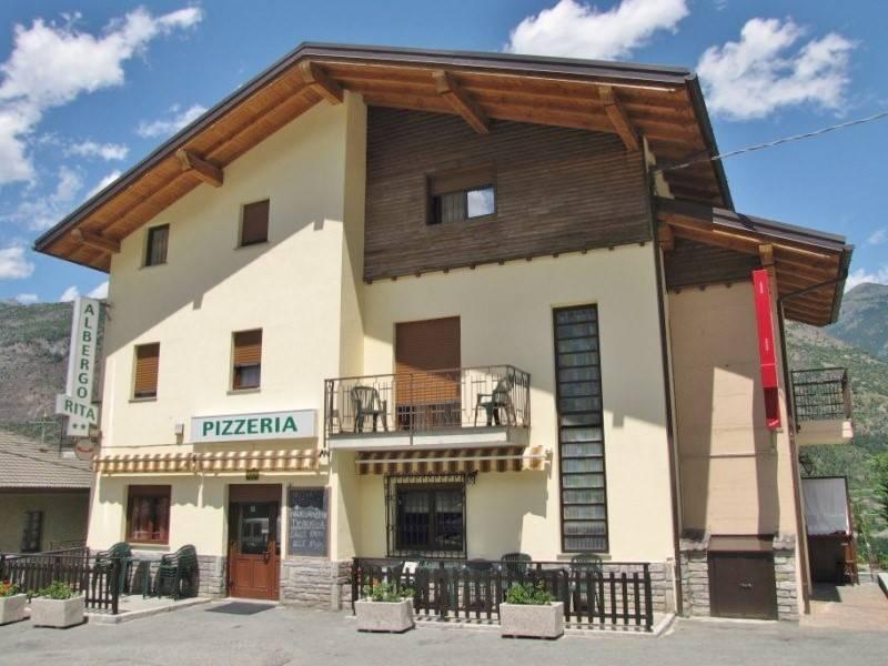 Ristorante / Pizzeria / Trattoria in affitto a Pontey, 16 locali, zona Zona: Semon, prezzo € 1.500 | Cambio Casa.it