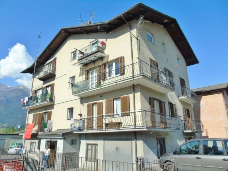 Appartamento in vendita a Charvensod, 4 locali, zona Località: PLAN DE FÉLINAZ, prezzo € 149.000 | Cambio Casa.it