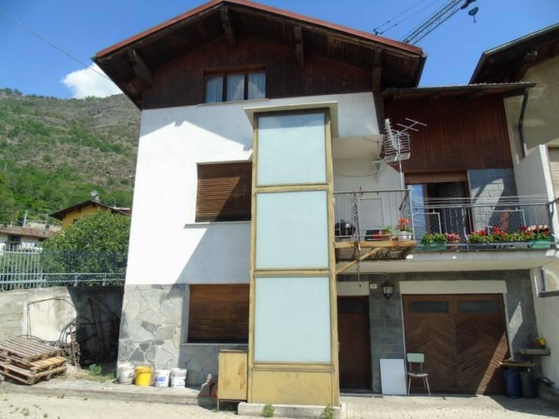 Soluzione Indipendente in vendita a Sarre, 5 locali, prezzo € 260.000 | CambioCasa.it