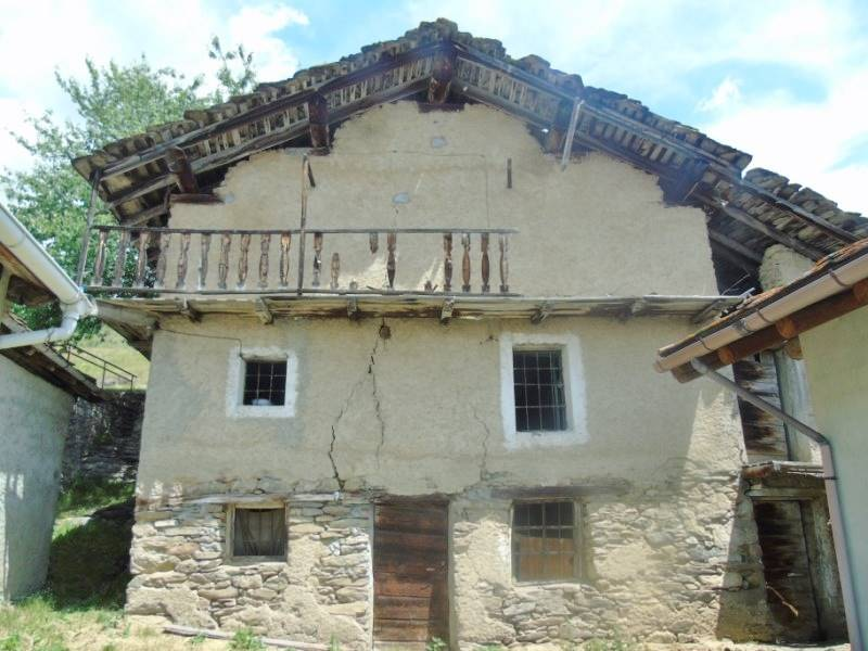 Rustico / Casale in vendita a Verrayes, 7 locali, prezzo € 52.000 | CambioCasa.it