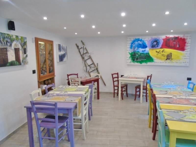 Ristorante / Pizzeria / Trattoria in vendita a Saint-Marcel, 3 locali, prezzo € 350.000 | Cambio Casa.it