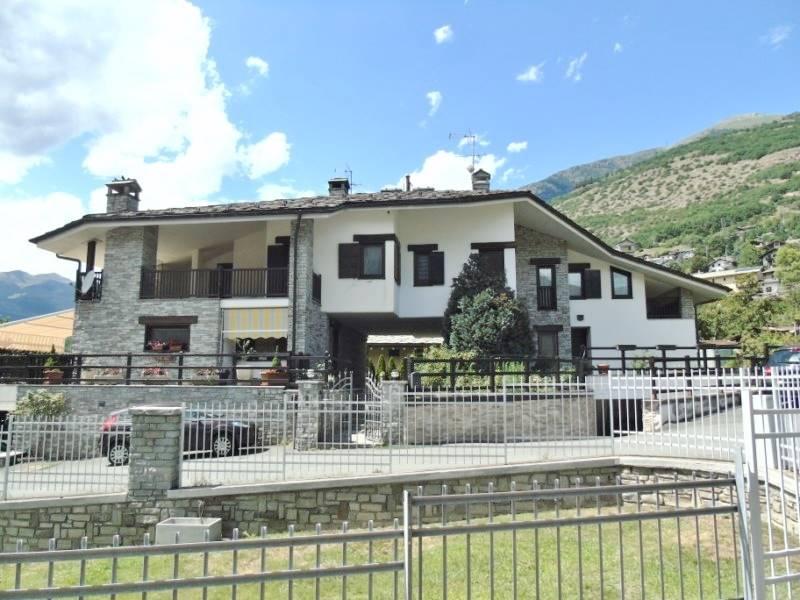 Villa in vendita a Quart, 7 locali, zona Zona: Villair, prezzo € 425.000 | CambioCasa.it