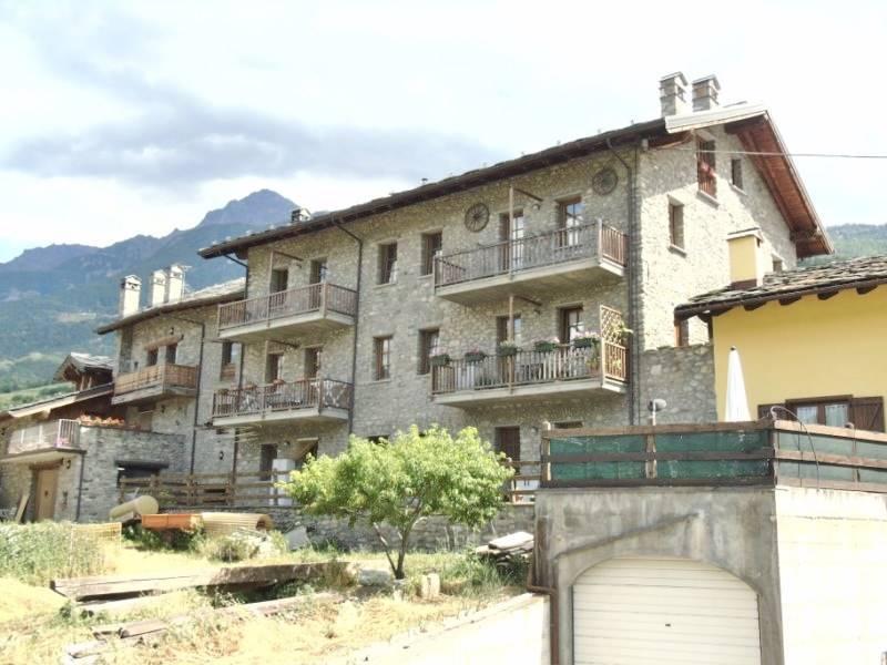 Appartamento in vendita a Gressan, 4 locali, prezzo € 230.000 | CambioCasa.it