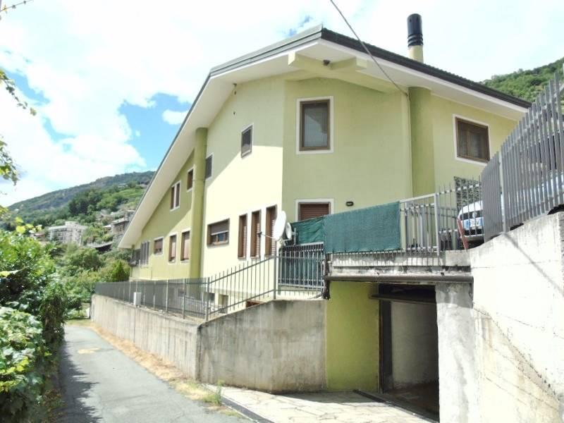 Appartamento in affitto a Aosta, 2 locali, zona Zona: Zona collinare, prezzo € 350 | CambioCasa.it