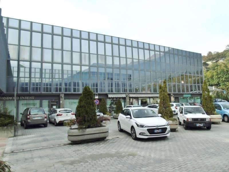 Ufficio / Studio in affitto a Aosta, 1 locali, zona Zona: Periferia, prezzo € 400 | CambioCasa.it