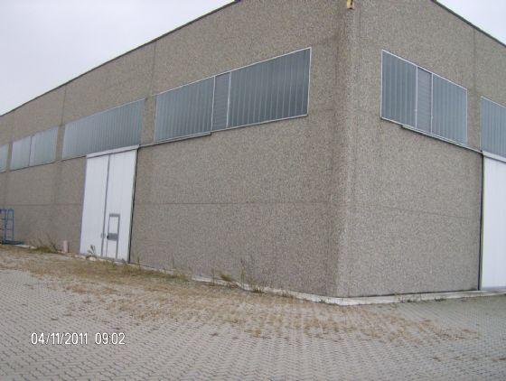 Capannone in affitto a Rivergaro, 9999 locali, zona Zona: Niviano, prezzo € 1.665 | Cambio Casa.it