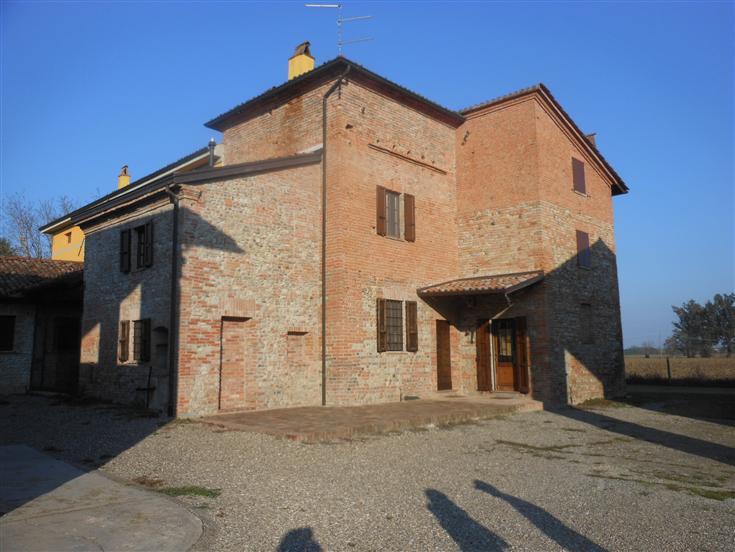 Agriturismo in affitto a Gragnano Trebbiense, 9999 locali, zona Zona: Gragnanino, prezzo € 2.480 | Cambio Casa.it