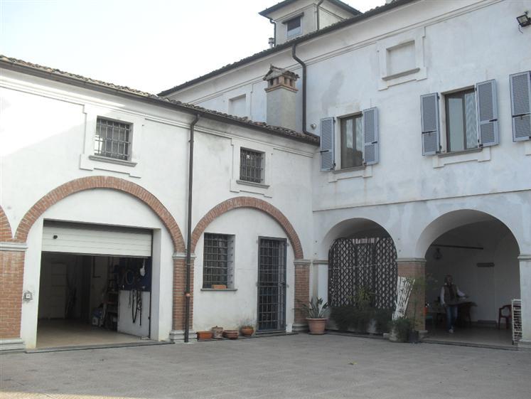 Soluzione Indipendente in vendita a Carpaneto Piacentino, 11 locali, prezzo € 850.000 | Cambio Casa.it