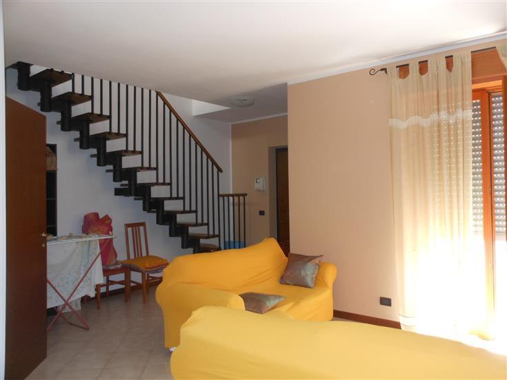 Appartamento in Vendita a Travo
