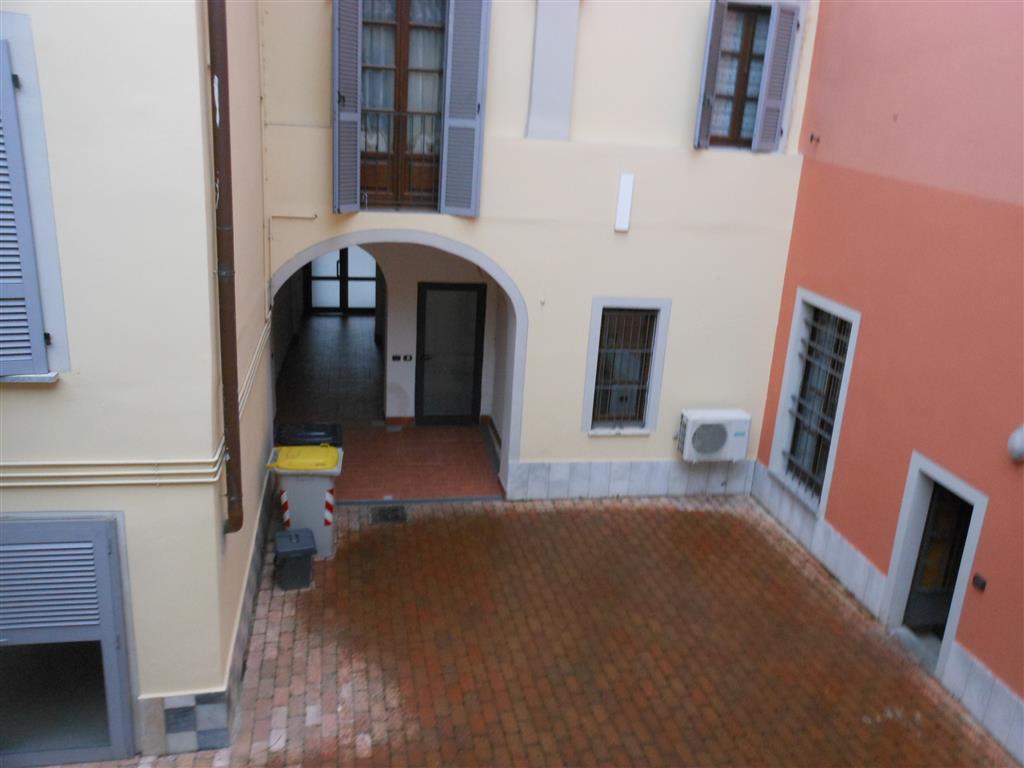 Appartamento indipendente in Piazza Primo Maggio, Ponte Dell'olio