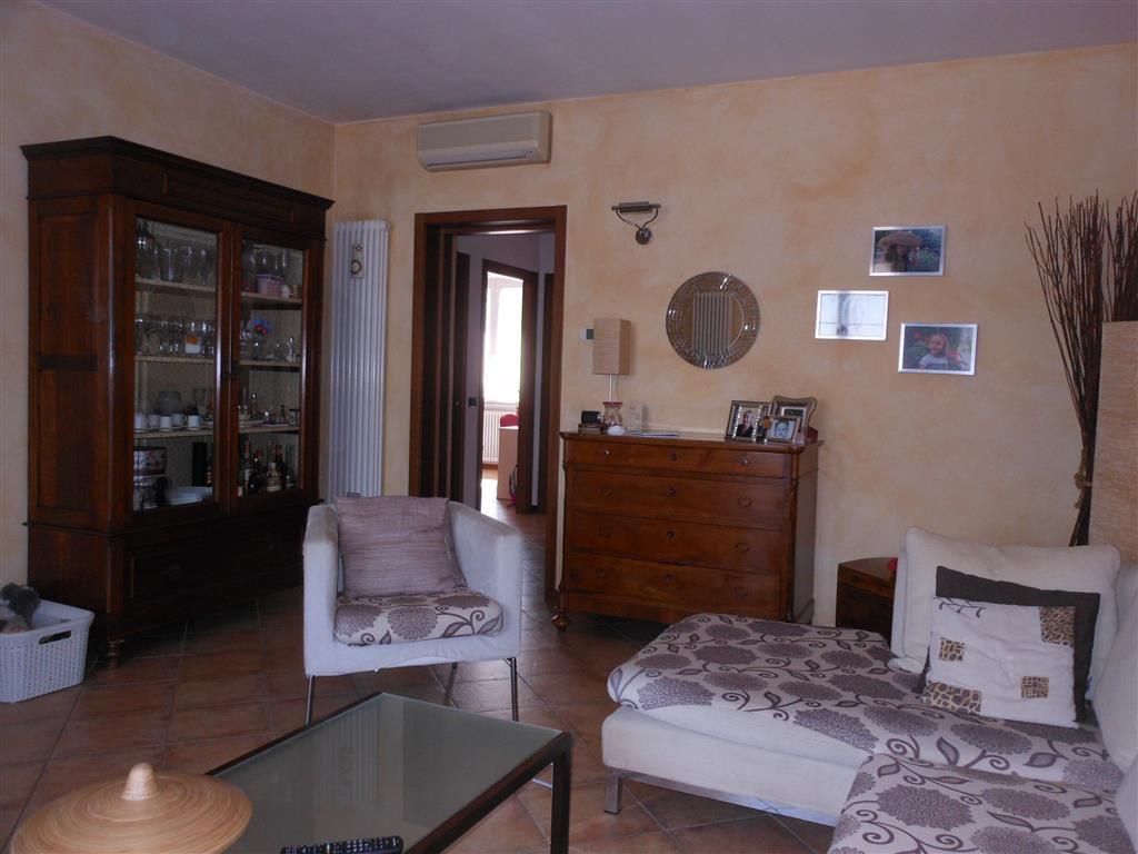 Appartamento in vendita a Caorso, 4 locali, prezzo € 140.000 | Cambio Casa.it