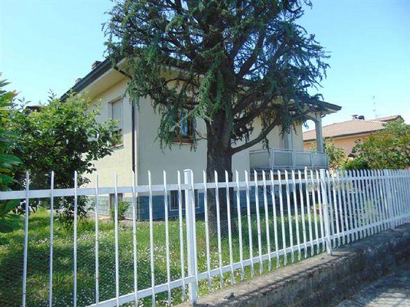 Villa in vendita a San Giorgio Piacentino, 4 locali, zona Località: SAN GIORGIO, prezzo € 268.000 | Cambio Casa.it