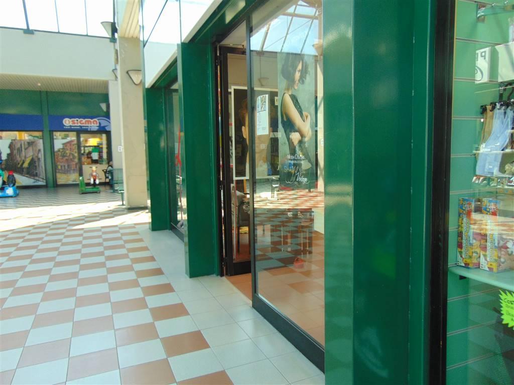 Vendita negozio farnesiana piacenza piano terra - Piscina farnesiana piacenza ...