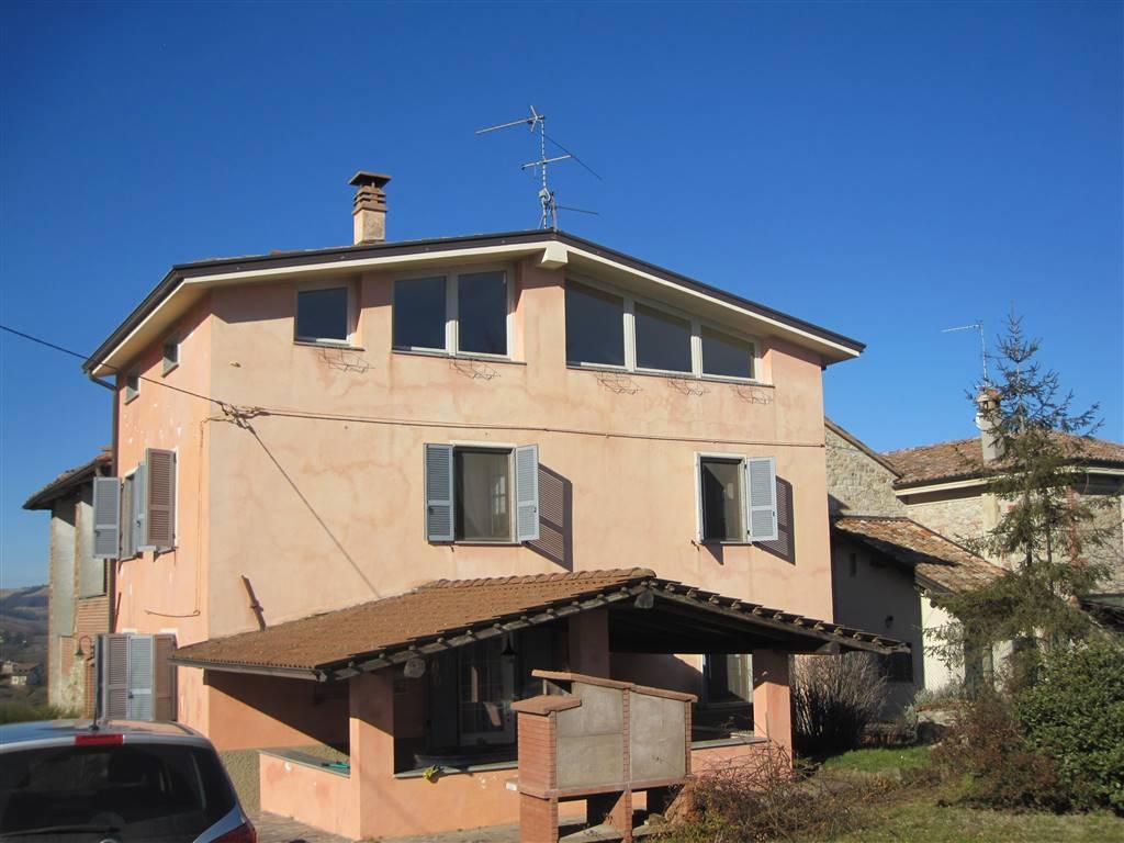 Rustico / Casale in vendita a Gazzola, 6 locali, zona Zona: Momeliano, prezzo € 194.000 | Cambio Casa.it