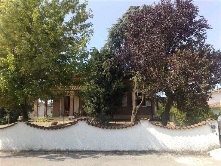 Villa in vendita a Pegognaga, 10 locali, Trattative riservate | Cambio Casa.it