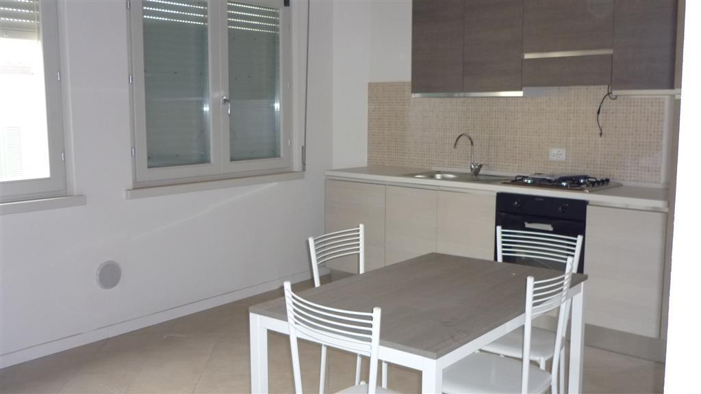 Appartamento in affitto a Suzzara, 2 locali, prezzo € 400 | Cambio Casa.it