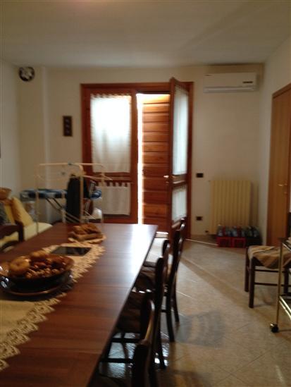 Soluzione Indipendente in vendita a Luzzara, 7 locali, zona Zona: Casoni, Trattative riservate | Cambio Casa.it