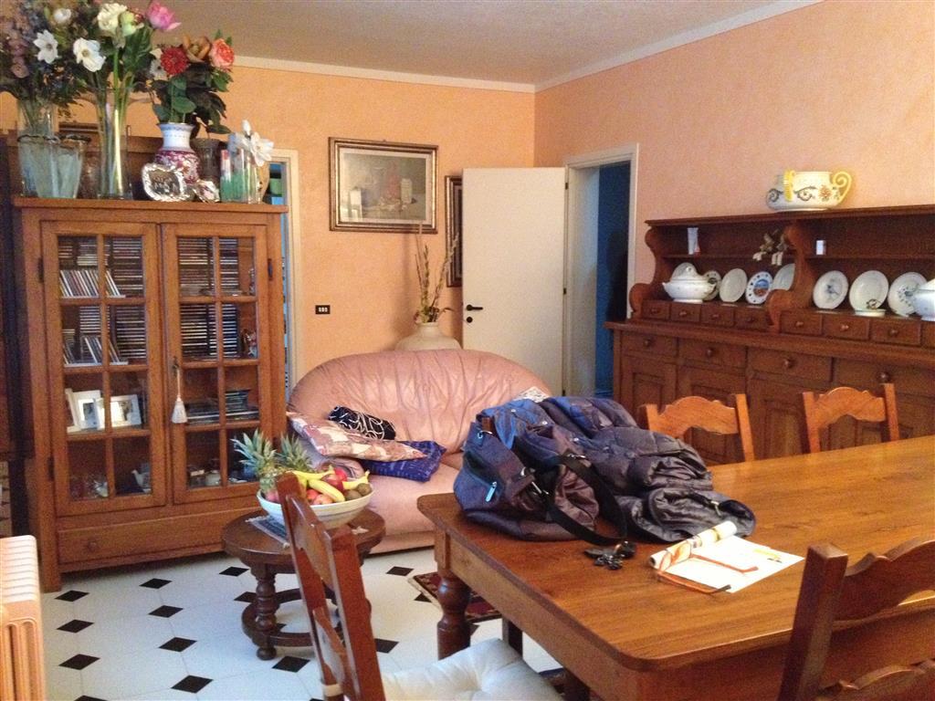 Soluzione Indipendente in vendita a Pegognaga, 5 locali, zona Zona: Galvagnina, prezzo € 350.000 | Cambio Casa.it