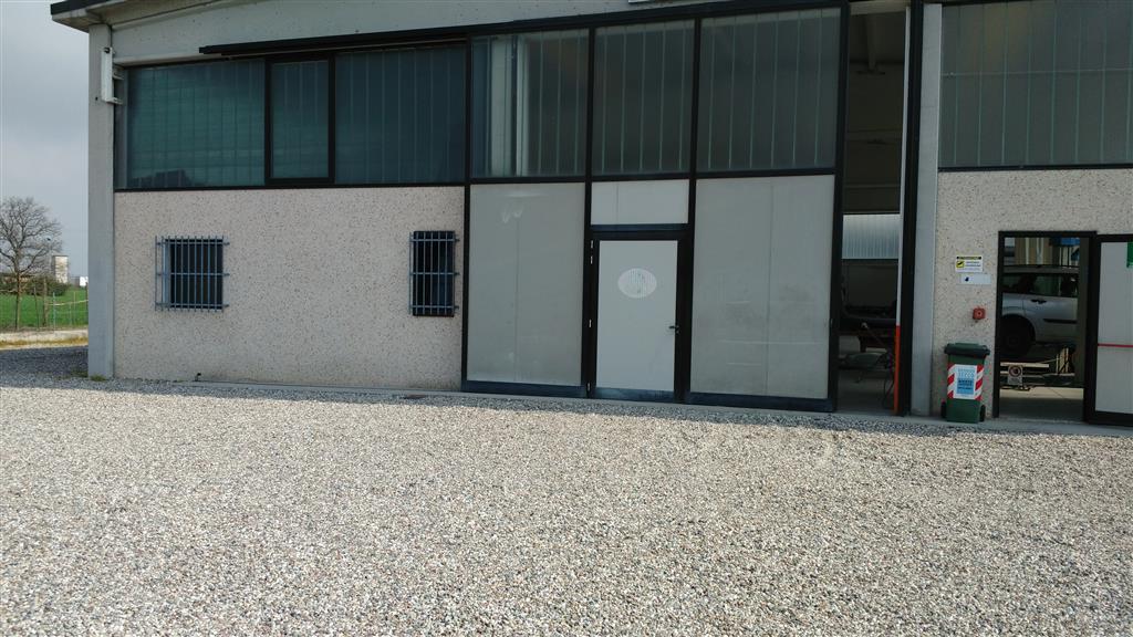 Capannone in vendita a Moglia, 9999 locali, prezzo € 300.000 | Cambio Casa.it