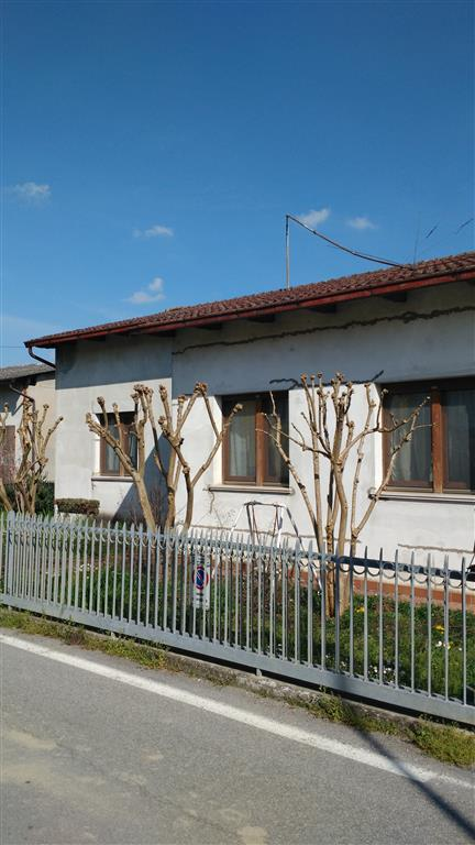 Soluzione Indipendente in vendita a San Benedetto Po, 5 locali, zona Zona: Portiolo, prezzo € 60.000 | Cambio Casa.it