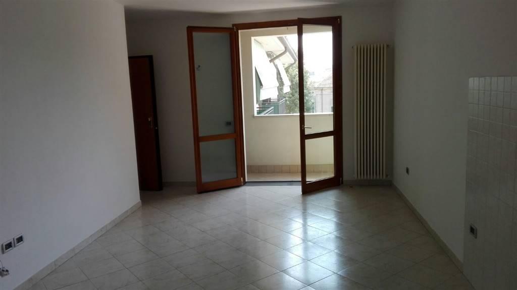 Appartamento in affitto a Suzzara, 3 locali, prezzo € 450 | Cambio Casa.it