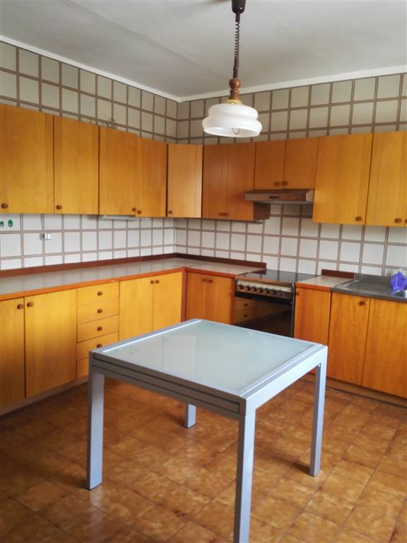 Appartamento in vendita a Quistello, 5 locali, prezzo € 115.000 | Cambio Casa.it