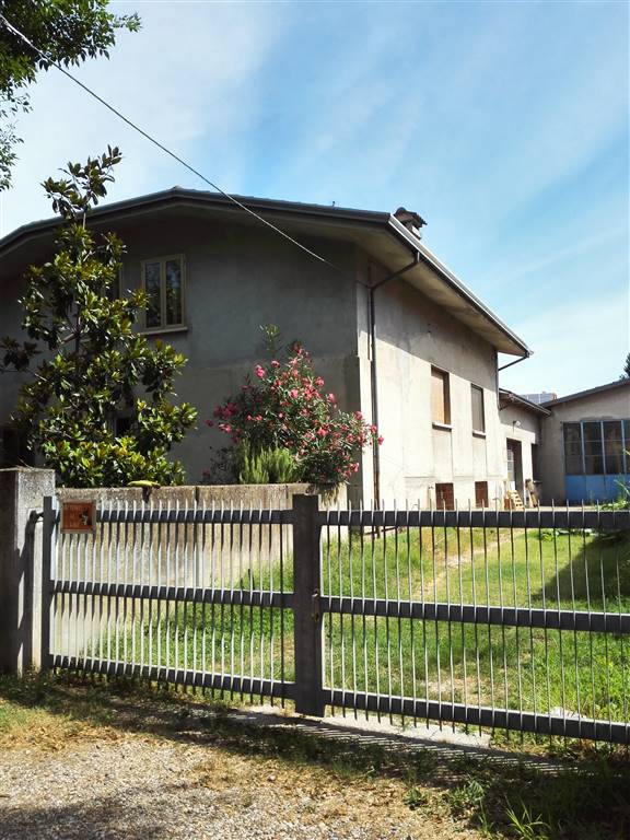 Villa in vendita a Pegognaga, 5 locali, prezzo € 260.000 | Cambio Casa.it