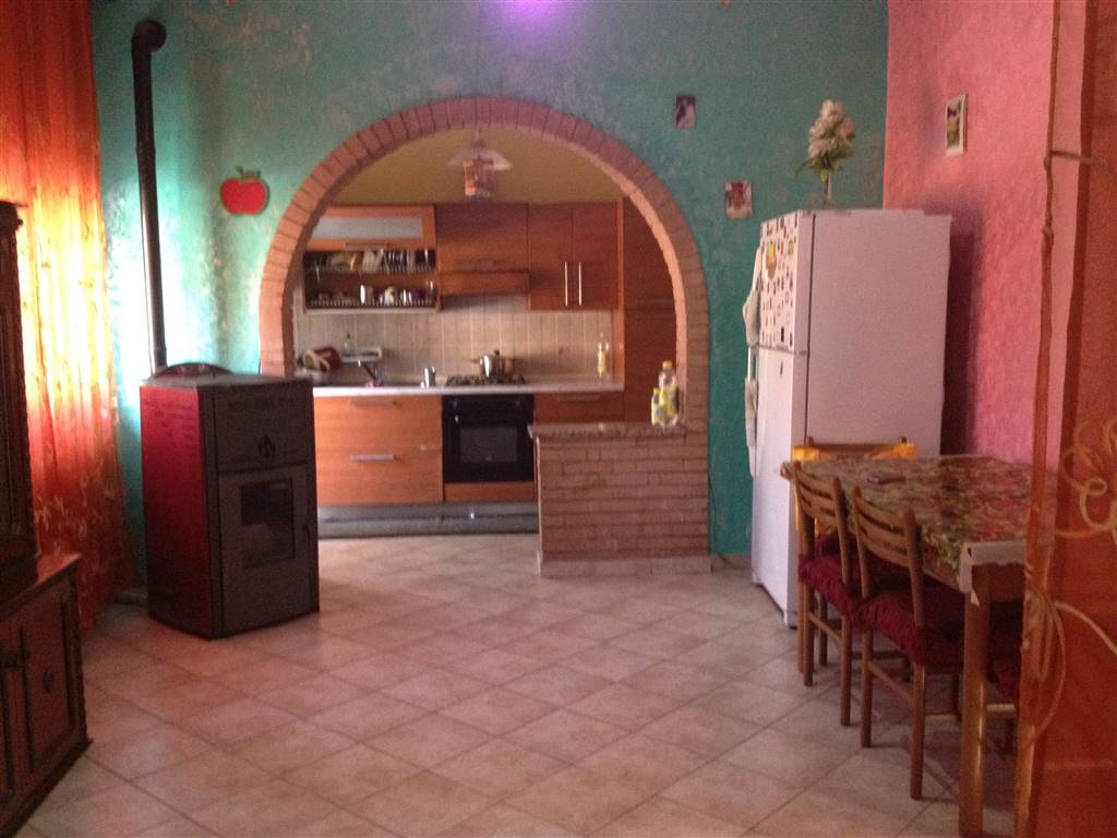 Appartamento in vendita a Luzzara, 4 locali, prezzo € 80.000 | Cambio Casa.it