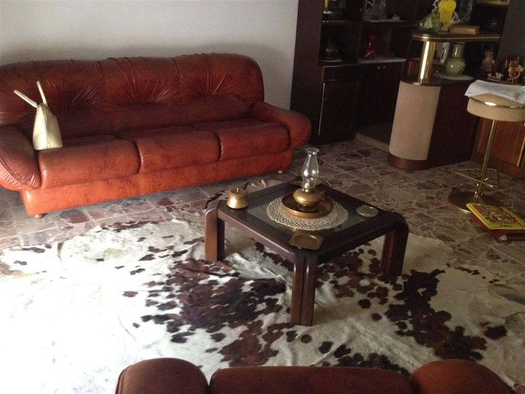 Soluzione Indipendente in vendita a Guastalla, 6 locali, zona Zona: Tagliata, prezzo € 170.000 | Cambio Casa.it