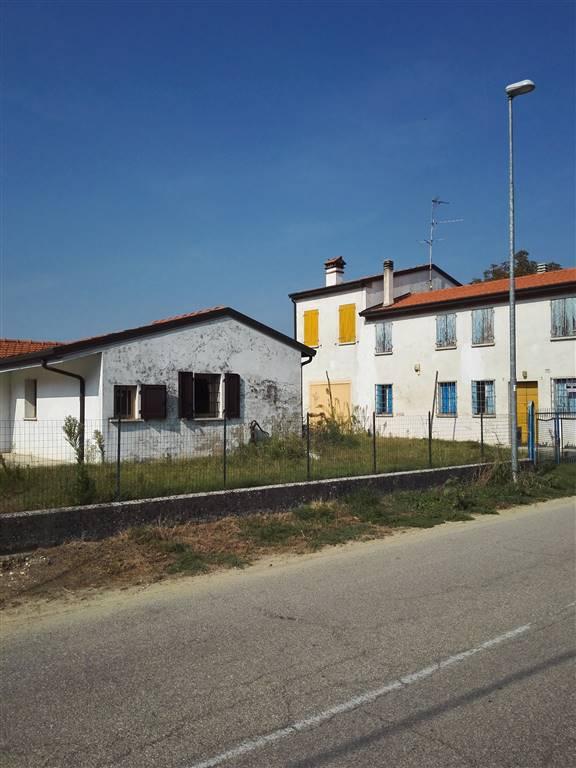 Soluzione Indipendente in vendita a San Benedetto Po, 5 locali, zona Zona: Bardelle, prezzo € 70.000 | Cambio Casa.it