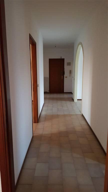 Appartamento in vendita a Luzzara, 3 locali, prezzo € 60.000 | Cambio Casa.it