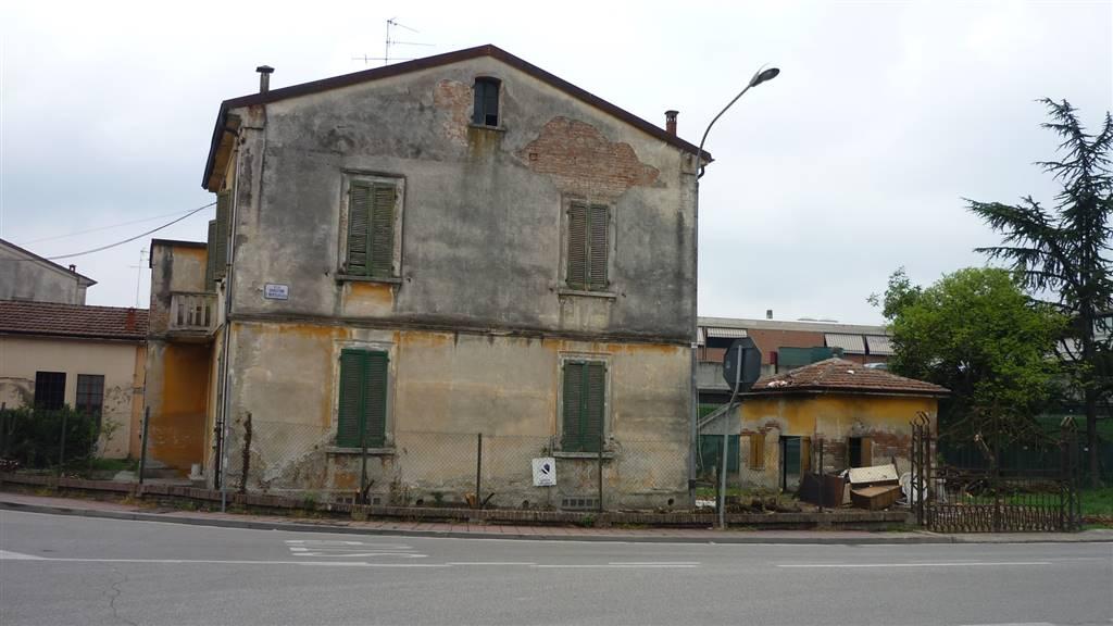 Villa in vendita a Suzzara, 6 locali, Trattative riservate | Cambio Casa.it