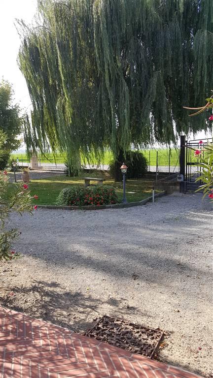 Villa in affitto a Gonzaga, 4 locali, zona Zona: Palidano, Trattative riservate | Cambio Casa.it
