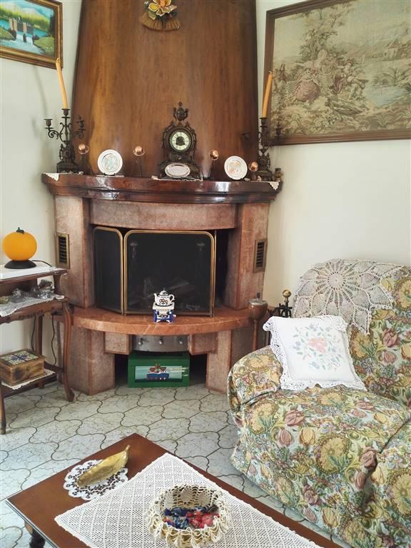 Appartamento in vendita a Moglia, 4 locali, zona Zona: Bondanello, prezzo € 60.000 | Cambio Casa.it