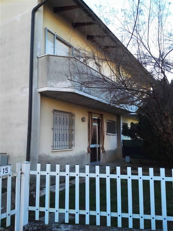 Villa Bifamiliare in vendita a Reggiolo, 5 locali, prezzo € 140.000 | Cambio Casa.it