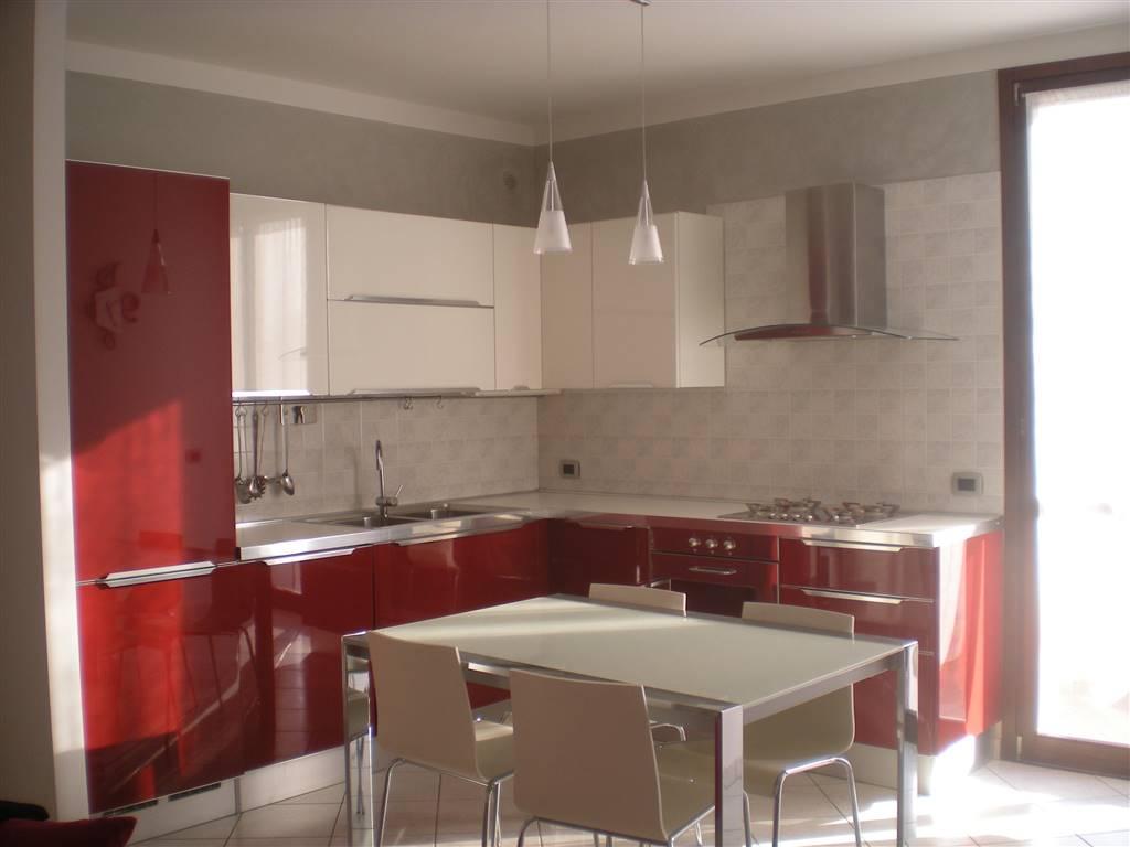 Appartamento in vendita a Luzzara, 3 locali, prezzo € 95.000 | Cambio Casa.it