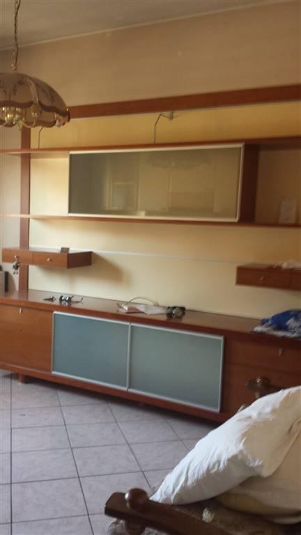 Appartamento in vendita a Guastalla, 3 locali, prezzo € 70.000 | Cambio Casa.it