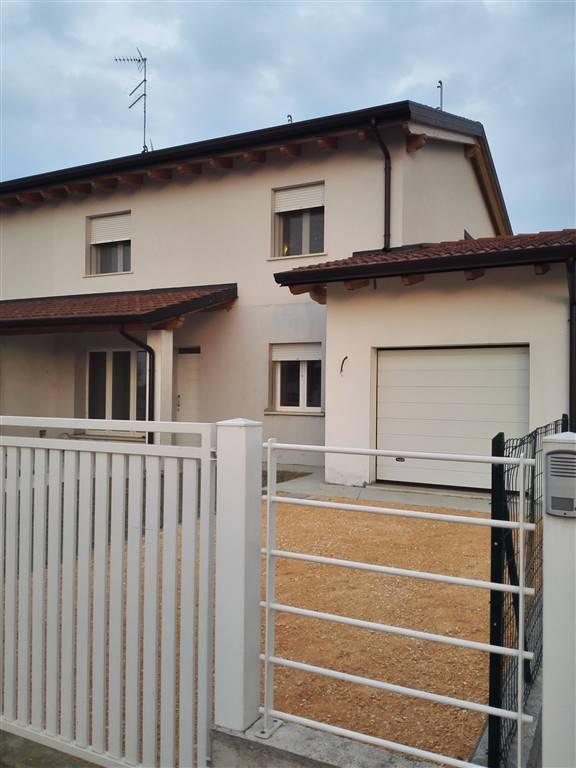 Altro in vendita a Quistello, 5 locali, prezzo € 165.000 | Cambio Casa.it