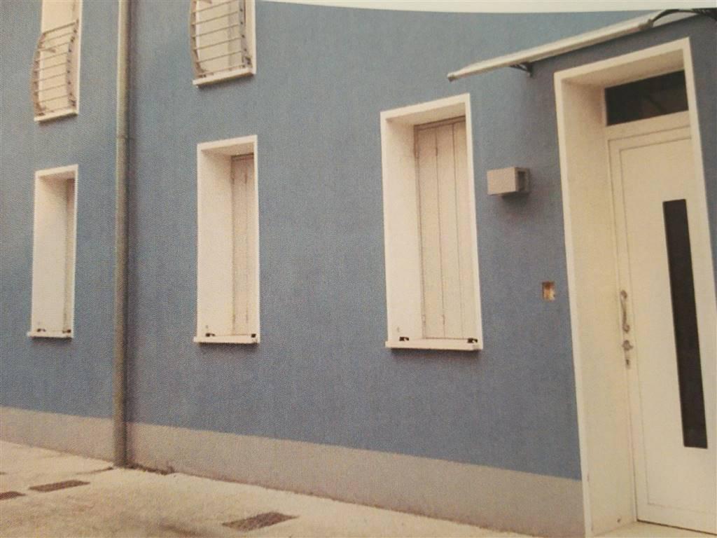 Soluzione Indipendente in vendita a Quistello, 4 locali, prezzo € 150.000 | Cambio Casa.it
