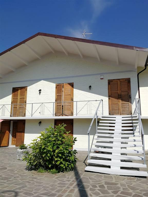 Villa-Villetta  in Vendita a Novellara