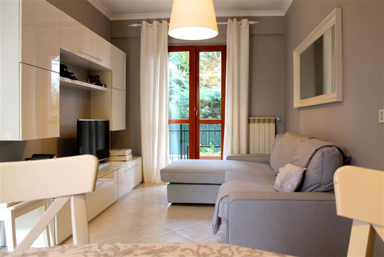 Appartamento indipendente in Via Romana Vecchia 24/b, Ciampino