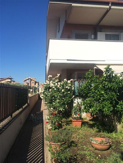 Appartamento indipendente in Marcandreola, Ciampino