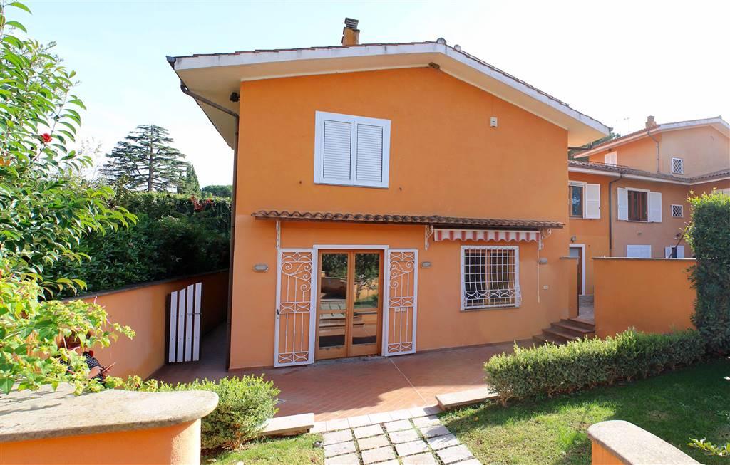 Villa in Via Del Pescheto, Ciampino