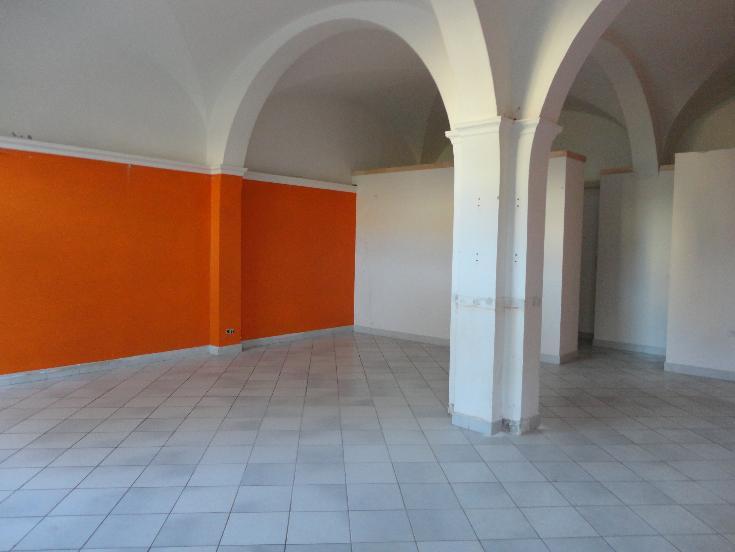 Negozio / Locale in affitto a Certaldo, 3 locali, prezzo € 700 | Cambio Casa.it