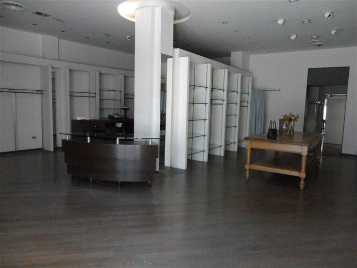 Negozio / Locale in affitto a Certaldo, 2 locali, prezzo € 1.200 | Cambio Casa.it