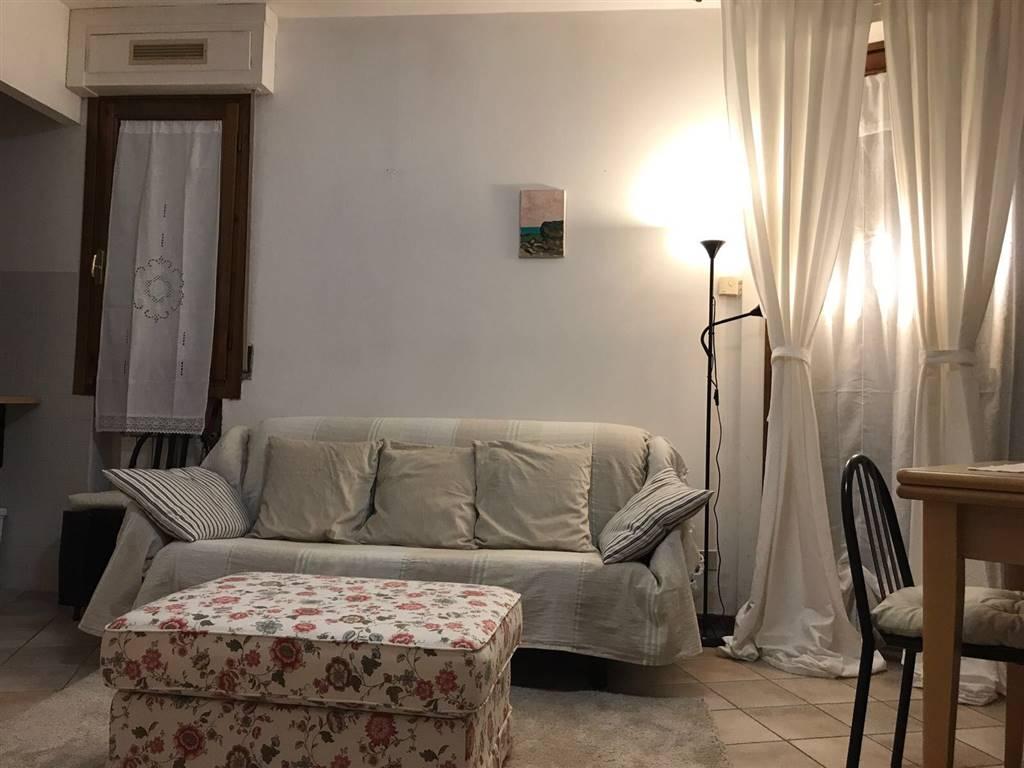 Appartamento in affitto a San Gimignano, 2 locali, prezzo € 450   CambioCasa.it