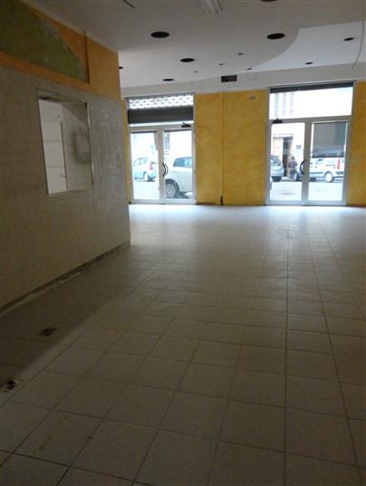 Negozio / Locale in affitto a Certaldo, 3 locali, zona Località: SEMI-CENTRO, prezzo € 700 | Cambio Casa.it